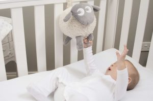 Baby produkter Ewan i bruk 300x199 - Gavetips til Baby - skal du i Babyshower?